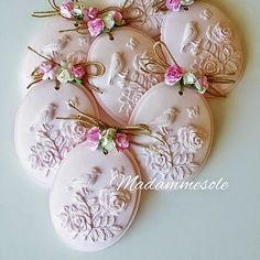 Scented Stone-Madammesole Gift Soap & Scented Stone Source by acifcioglu Fall Crafts, Diy Crafts, Decoupage, Deco Rose, Soap Carving, Soap Favors, Shabby Chic Crafts, Idee Diy, Soap Packaging
