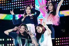 Red Velvet live