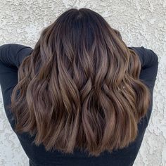 Women Hairstyles For Fine Hair .Women Hairstyles For Fine Hair Brown Ombre Hair Medium, Medium Balayage Hair, Short Balayage, Balayage Ombré, Balayage Brunette, Hair Color Balayage, Dark Brown Short Hair, Orange Brown Hair, Balayage Hairstyle