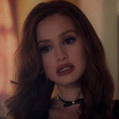 Cheryl Blossom Riverdale, Riverdale Cheryl, Veronica, Celebrity Film, Lip Shapes, Madelaine Petsch, Queen, Celebs, Celebrities