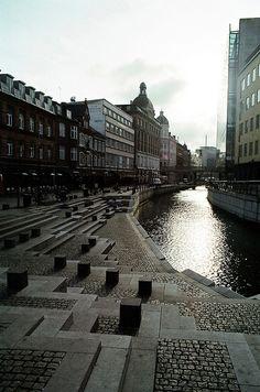 Elsker at nyde en god kop kaffe sammen med et menneske jeg holder af - lige her ved åen i Aarhus!