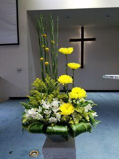 # Informations About Flowers Yellow Flower Arrangements, Contem Altar Flowers, Church Flowers, Home Flowers, Funeral Flowers, Unique Flowers, Exotic Flowers, Yellow Flowers, Flowers Garden, Diy Flowers