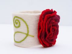 Elegant Felt Bracelet ~ diy perhaps?! with velcro--sensory