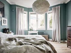 aranżacja sypialni z wykuszem