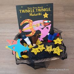 Just released and features the 9 whetū of Matariki. This basket has the main characters from the pukapuka, whetū and some foam rockets. The rockets may be different closes to the event Sisters Images, Finger Plays, Early Literacy, Finger Puppets, Reggio, Story Time, Pre School, Twinkle Twinkle, Preschool Activities