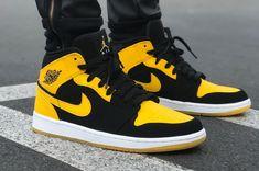 #Jordan #AirJordan Mode Shoes, Casual Shoes, High Tops, Trainers, Air Jordans, Kicks, Sneakers Nike, Classy, Mens Fashion