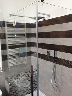 Studio dei rivestimenti per il box doccia