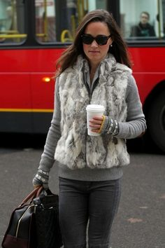 Pippa does cozy chic.