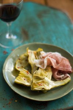 Licking the Plate: Satisfying, Simple Eating.  Braised Artichokes with Prosciutto