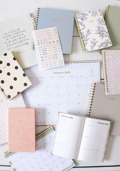 Cheap Things From Target That Will Make You Feel More Put Together In College Desktop Calendar, Desk Calendars, Target Planner, Weekly Monthly Planner, Day Designer, Wire Binding, Hand Lettering Quotes, Day Planners, 30 Day Challenge