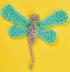 Find out how to make a Crochet brooches with this free crochet pattern from Top Crochet Patterns Crochet Bee, Crochet Brooch, Crochet Birds, Crochet Animals, Crochet Flowers, Crochet Stitches, Free Crochet, Crochet Earrings, Crochet Patterns
