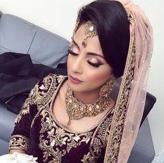 Desi Bridal Makeup Look Desi Bridal Makeup, Indian Wedding Makeup, Indian Makeup, Bridal Makeup Looks, Indian Wedding Jewelry, Bride Makeup, Wedding Hair And Makeup, Arabic Makeup, Hair Wedding
