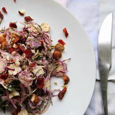 Eten maken: Salade van paarse spruitjes met cranberry en hazel...