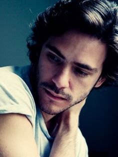 """Jack Savoretti """"There's a boat waiting out there for a song that no ones aware of-Sail with meee"""""""