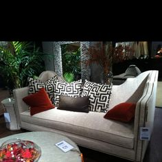 Most know I am a huge fan of Raymond Waites for Lane Venture. Pattern, texture and movement, OH MY! #HPMkt  IH M101