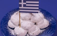 Here's the recipe of how to make kourabiedes, the sugary Greek Christmas cookies. Greek Sweets, Greek Desserts, Greek Recipes, Just Desserts, Dessert Recipes, Yummy Recipes, Christmas Sugar Cookies, Christmas Sweets, Christmas Goodies