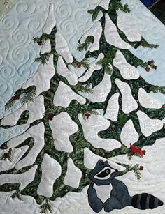 Cindy Thomas His Majesty The Tree December block center closeup of applique, embroidery, and machine quilting