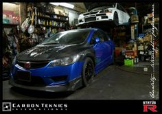 Blue FD2R with carbon fiber Js style hood and lip and Feels style fenders. Photo 03