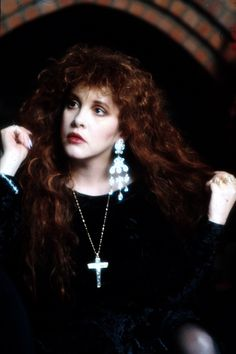 Stevie with dark hair ~ so beautiful ♪♫♥❤♥♫♪