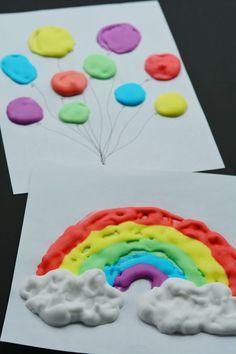 Mezcla espuma de afeitar y colorante y hace una pintura que cuando seca, a los…
