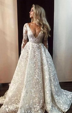 There are many amazing styles out there right now, whether a-line wedding dress, princess wedding dress, mermaid wedding dress. Some brides choose to go. Wedding Dress Trends, Long Wedding Dresses, Long Sleeve Wedding, Wedding Dress Sleeves, Long Sleave Wedding Dress, Fashion Wedding Dress, A Line Dress Wedding, Wedding Dress Princess, Mermaid Wedding Dress With Sleeves
