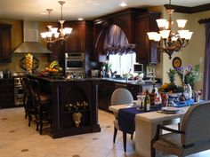 HGTV.com has inspirational pictures and expert tips on small kitchen table ideas…
