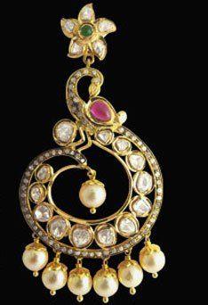 When kundan jewelley made a comeback. #jpearls #kundan #jewellery