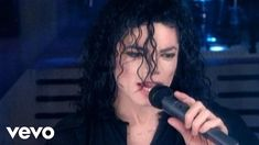 Michael Jackson - Remember The Time (Official Video) Axl Rose, Music Is My Escape, Music Is Life, Hard Rock, Music Songs, Music Videos, Best Selling Albums, The Jackson Five, Musica Pop