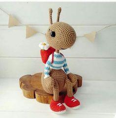 Crochet patterns free amigurumi doll knits 58 Ideas for 2019 Crochet Baby Mittens, Crochet Amigurumi Free Patterns, Cute Crochet, Crochet Dolls, Knitting Patterns, Knitting Toys, Amigurumi Tutorial, Crochet Hairband, Crochet Keychain