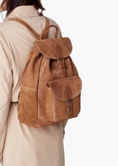 Sac à dos cuir – Femme Leather Pieces, Leather Men, Backpack Bags, Leather Backpack, Shooting Bags, Backpack Pattern, Art Bag, Cute Backpacks, Leather Bags Handmade