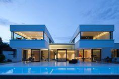 Casa com fachada moderna de dois pavimentos, na região da Bavaria, Alemanha