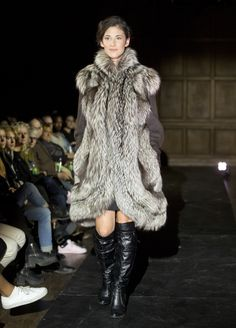 All the latest fashion trends in Montreal : news, events calendar, videos and many more. Fashion 2015, Latest Fashion Trends, Autumn Fashion, Montreal, Fur Coat, Jackets, Design, Fur, Down Jackets