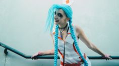 Nurse Jinx (League of Legends) Cosplay by Marty Novotna FB page: facebook.com/MartyCosArt Photo by TenKWS Design inspiration by Queenofhamsters (queenofhamsters.deviantart.com…)