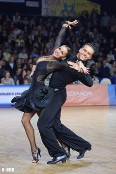 Learn To Ballroom Dance And Feel Your Soul Latin Ballroom Dresses, Ballroom Dancing, Latin Dresses, Dance Team Shirts, Jazz, Dance Routines, Salsa Dancing, Argentine Tango, Dance Pictures