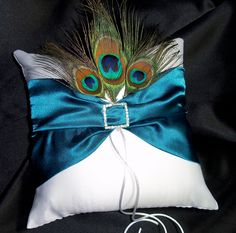 another ring pillow.. got to show this to my niece
