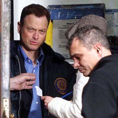 De tudo um pouco! Veja as melhores frases do chefe de CSI: New York Mac Taylor  http://r7.com/Eynb