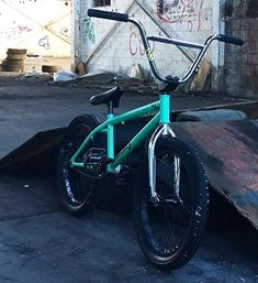 's bike - Bmx Bikes - Ideas of Bmx Bikes - 's bike Bmx 20, Bmx Bike Parts, Black Bmx, Dirt Jumper, Best Bmx, Push Bikes, Bike Photography, Bmx Freestyle, Bike Parking