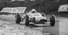 Brian Hart at Knickerbrook with his Lotus 35 Cosworth, Oulton Park Gold Cup, 1965