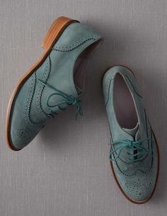 I like these, but can't decided whether I would wear them... Boden Brogues Oxfords Womens Outfits, Womens Brogues Oxfords, Blue Brogues, Suede Oxfords, Oxford Brogues, Blue Suede Shoes, Leather Shoes, Oxford Flats, Loafers