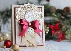 Send warmth and joy to someone special this Christmas with a handmade card featuring the festive snowflake die from Spellbinders! Christmas Cards 2018, Xmas Cards, Holiday Cards, Christmas Diy, Spellbinders Christmas Cards, Spellbinders Cards, Becca Feeken Cards, Snowflake Cards, Shabby