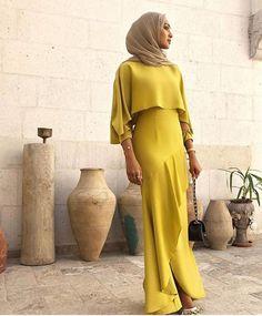 SoSab - Modest Fashion : Conseils en style et mode modeste hijab mode Modest Fashion Hijab, Hijab Chic, Abaya Fashion, Fashion Dresses, Dubai Fashion, Fashion Mode, Hijab Dress Party, Hijab Outfit, Islamic Fashion