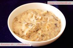 Deliciosa y cremosa salsa a base de champiñones, que también puedes elaborar con otros tipos de setas. Fácil y rápida, ideal para acompañar pastas y carnes