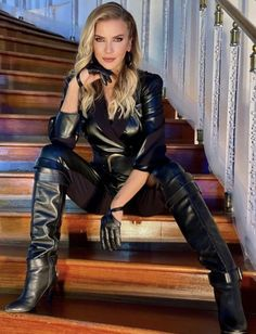 Leather Shorts, Leather Gloves, Latex Fashion, Fashion Boots, Sexy Boots, High Boots, Confident Woman, Cute Outfits, Female