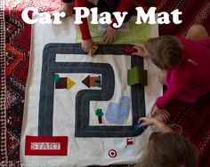 Car Play mat. Tapis de jeu pour petites voitures. J'aime l'idée du pont !