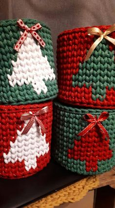 Christmas Ornament Template, Crochet Christmas Ornaments, Christmas Crochet Patterns, Christmas Knitting, Christmas Crafts, Kawaii Crochet, Cute Crochet, Crochet Toys, Crochet Shoes Pattern