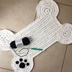 Dog Bone Paw Print Place Mat, Large Size Pet Crate Dog Bone Mat, Name Personalized Dog Bone Shaped Mat, Dog Bone Food Bowl Placemat Rug - só crochê NP - Amigurumi Clues Basic Crochet Stitches, Crochet Basics, Crochet Patterns, Bear Blanket, Afghan Blanket, Blanket Crochet, Crochet Projects, Sewing Projects, Crochet Phone Cover