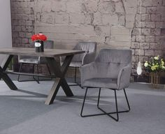 LOFT ezüstszürke karfás szék #lakberendezes #otthon #otthondekor #homedecor #homedecorideas #homedesign #furnishings #design #ideas #furnishingideas #housedesign #livingroomideas #livingroomdecorations #decor #decoration #interiordesign #interiordecor #interiores #interiordesignideas #interiorarchitecture #interiordecorating #velvet #velvetchair #velvetsofa Dining Room Table Decor, Dining Room Design, Living Room Decor, Industrial Interior Design, Industrial Interiors, Loft Design, E Design, Design Ideas, Loft Interiors
