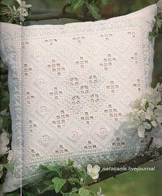 Всем, кто вяжет, дарю старые идеи для новых работ Find some beautiful Islet fabric and make this happen