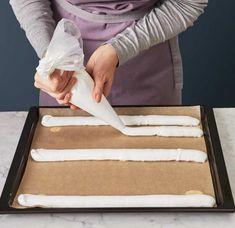 Kardinalschnitten Rezept - [ESSEN UND TRINKEN] Confectionery, Tiramisu, Plastic Cutting Board, Deserts, Kitchen, Food, Decor, Sheet Cakes, Food And Drinks