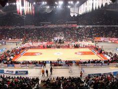 """Καθημερινη ερυθρολευκη ενημερωση αλλα και ολες οι αθλητικες ειδησεις απο Ελλαδα και Ευρωπη στο blog και απο την ερυθρολευκη ραδιοτηλεοπτικη εκπομπη ΟΛΑ ΣΤΗΝ ΣΕΝΤΡΑ www.alexwebradiotv.blogspot.com e-mail:alekos1962@outlook.com.gr SKYPE:alekos1962@outlook.com.gr ALEX WEB RADIO/TV: Kατάμεστο το ΣΕΦ-""""Έφυγαν"""" 7.500 εισιτήρια"""